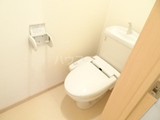 テラ・メゾン B棟 207号室のトイレ