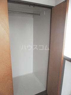 メゾン・ド・セリーヌ 303号室の収納