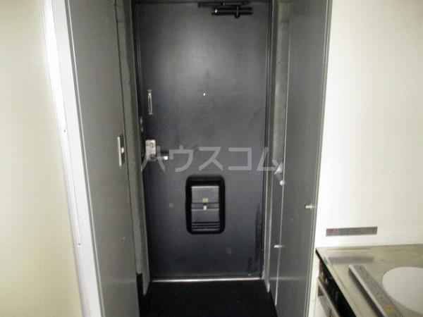 グランドビュー大池 501号室の玄関
