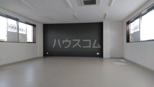 シャインスリービル 3F号室の玄関
