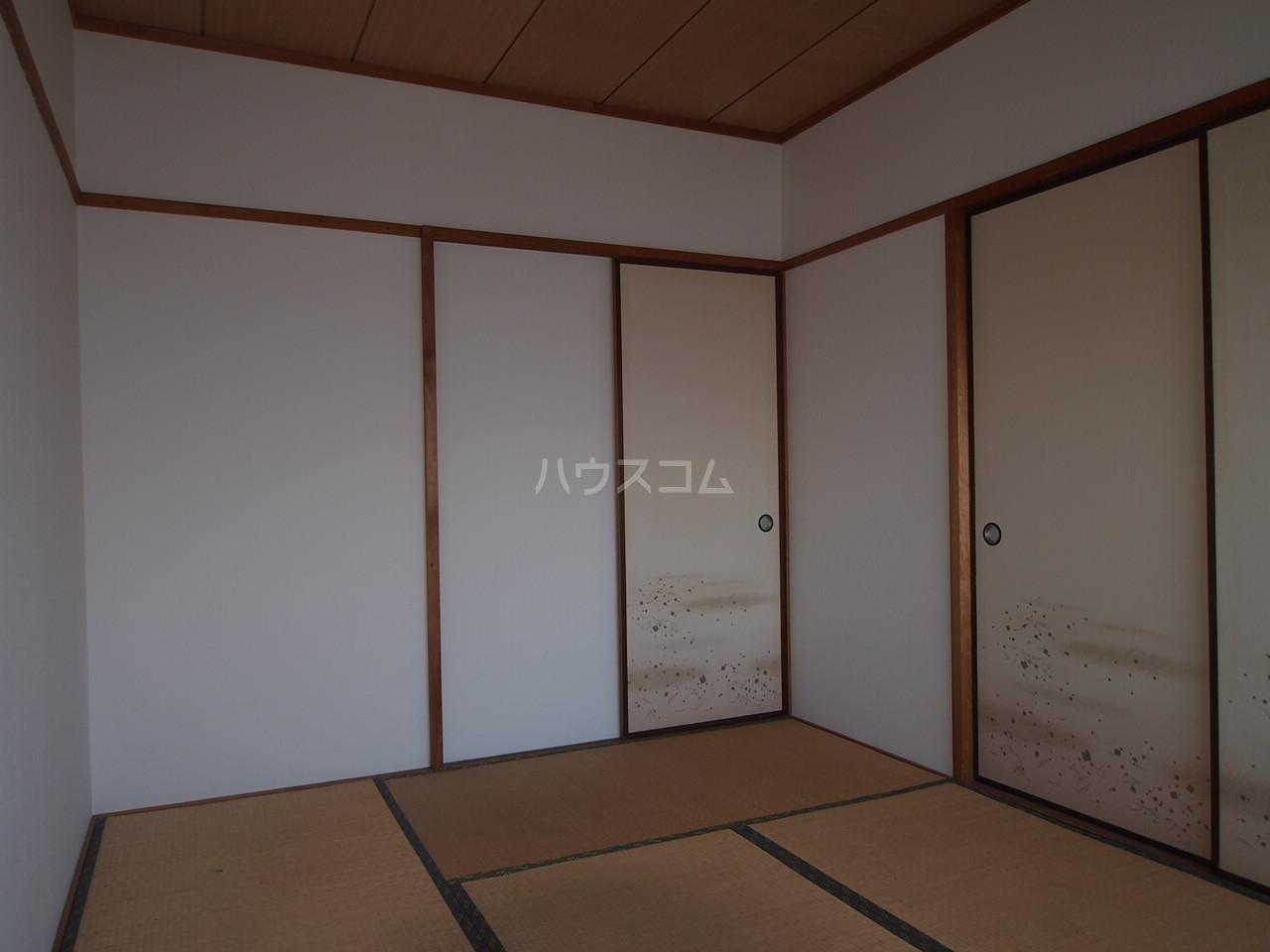 マンションニューシーズ 303号室の居室