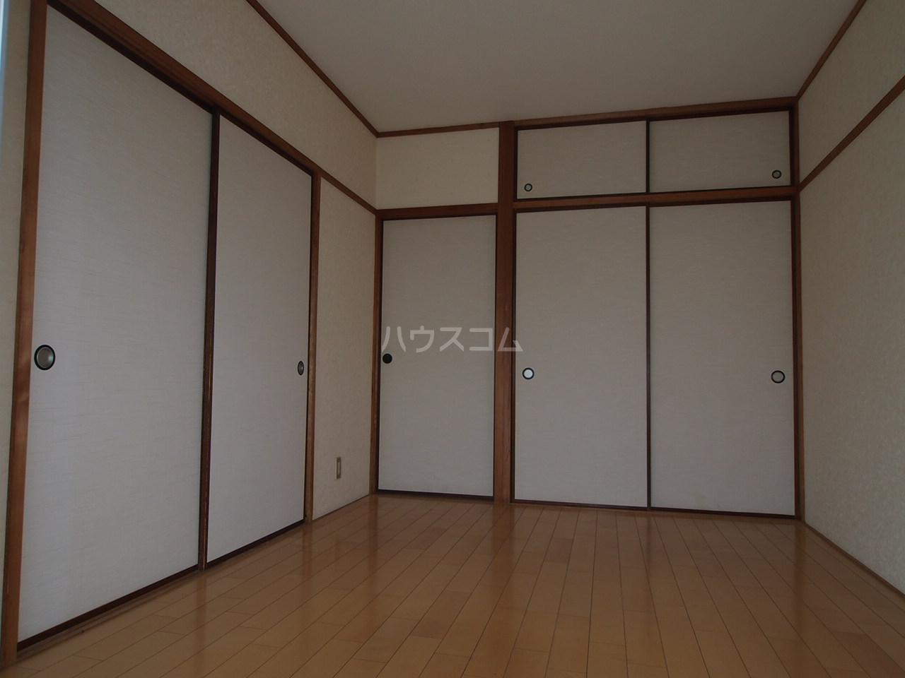 マンションニューシーズ 303号室のベッドルーム
