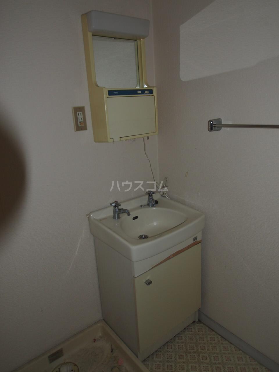 マンションニューシーズ 303号室の洗面所