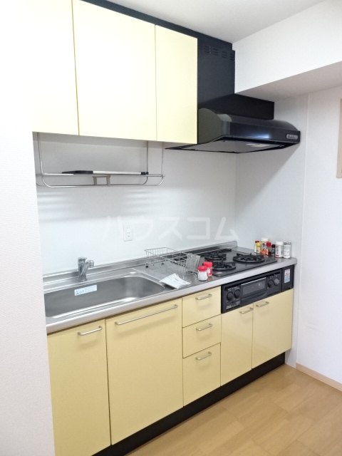 シャトー大豊 302号室のキッチン