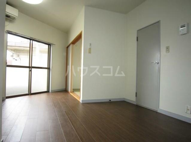 メゾンブランシュ3 202号室のリビング