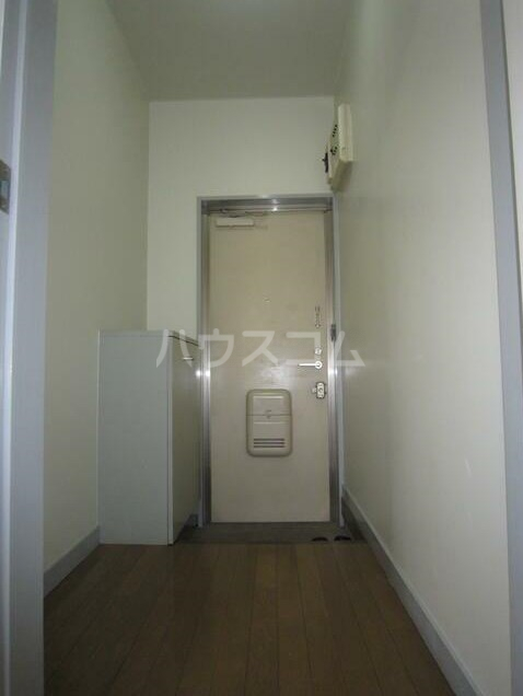 メゾンブランシュ3 202号室の玄関