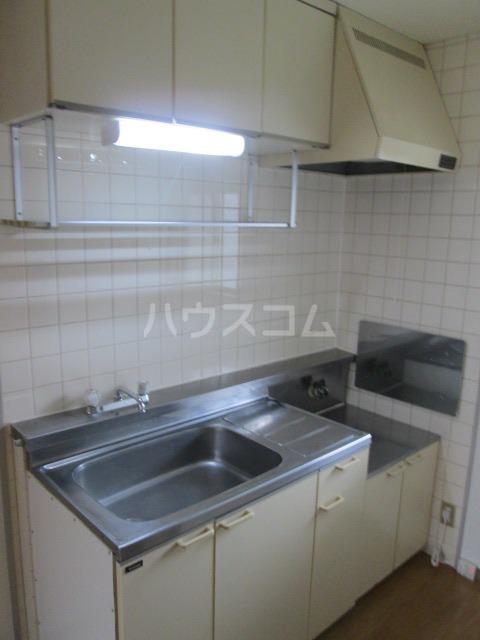 メゾンファミール Ⅰ 02010号室のキッチン