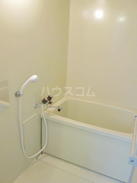 メゾンファミール Ⅰ 02010号室の風呂