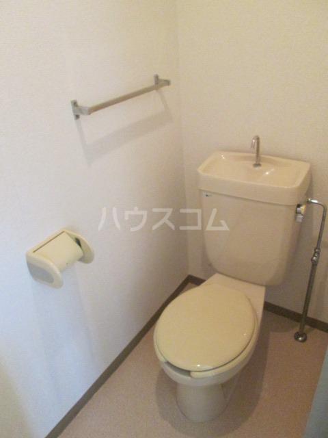 メゾンファミール Ⅰ 02010号室のトイレ