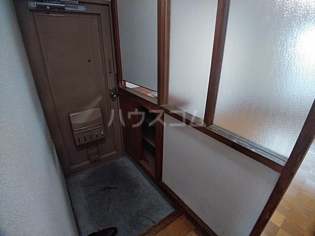 光マンション 402号室の玄関