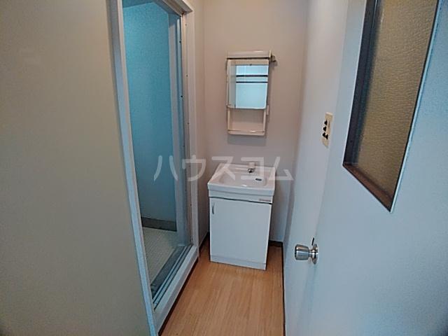光マンション 402号室の洗面所