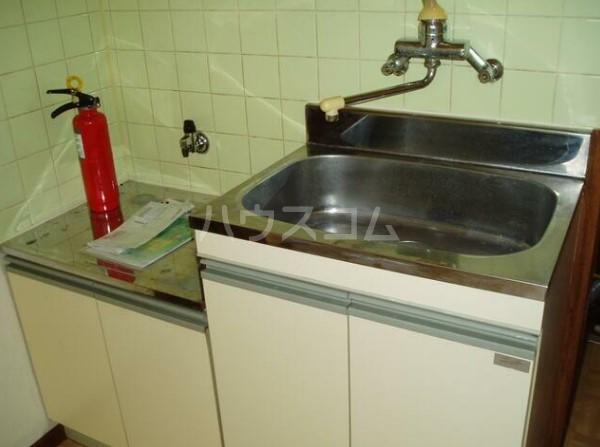 ルアナ和泉 1-A号室のキッチン