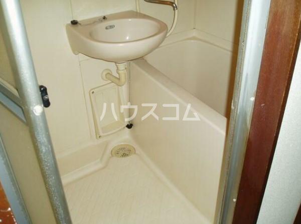 ルアナ和泉 1-A号室の洗面所