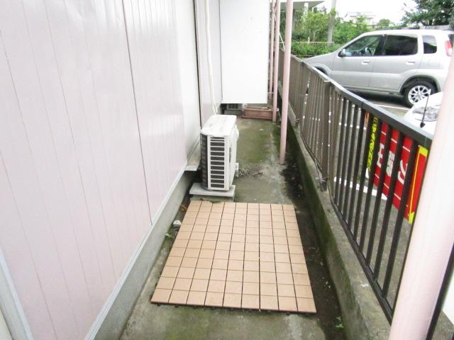 トキワハイツ 102号室の庭