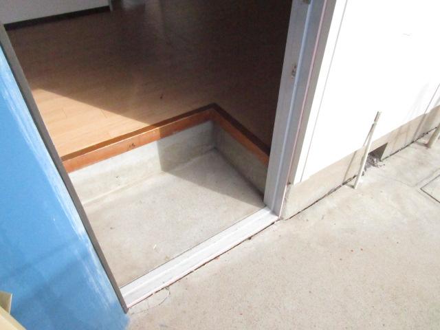 トキワハイツ 102号室のエントランス