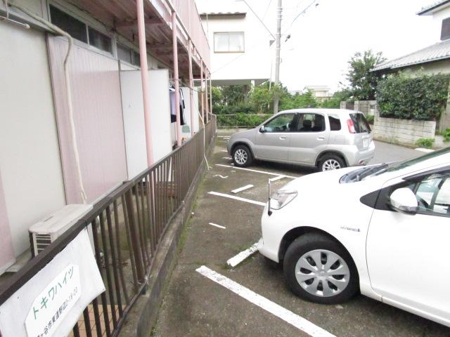 トキワハイツ 102号室の駐車場
