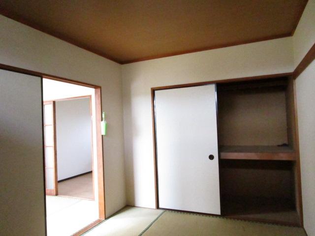 トキワハイツ 102号室のリビング