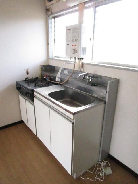 トキワハイツ 102号室のキッチン