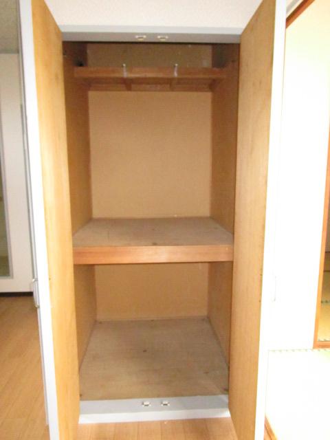 トキワハイツ 102号室の収納