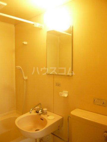 モンルポー 201号室の洗面所