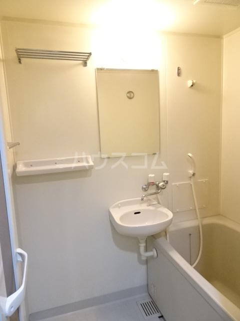グランド月見 206号室の洗面所