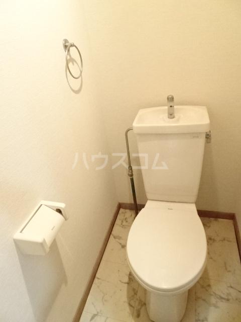 グランド月見 206号室のトイレ