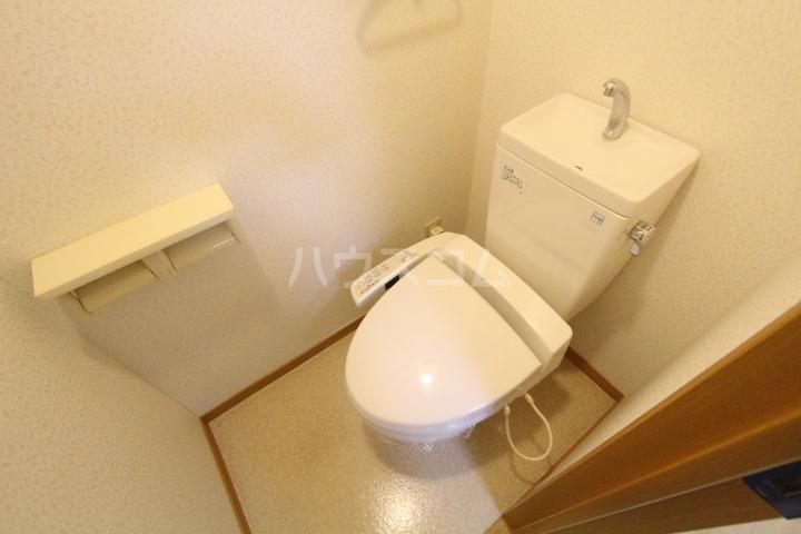 クオリア若宮町 101号室のトイレ