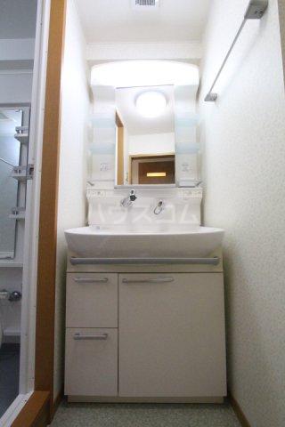 クオリア若宮町 101号室の洗面所