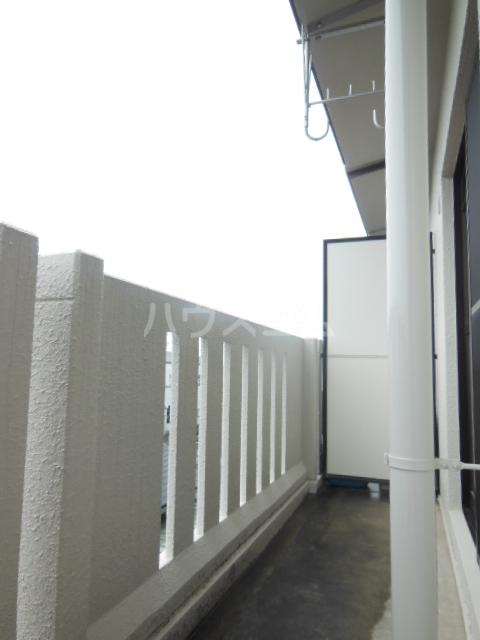 ハッピーヒルズ青木 202号室のバルコニー