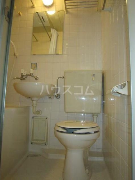 ルミエール中町 102号室のトイレ