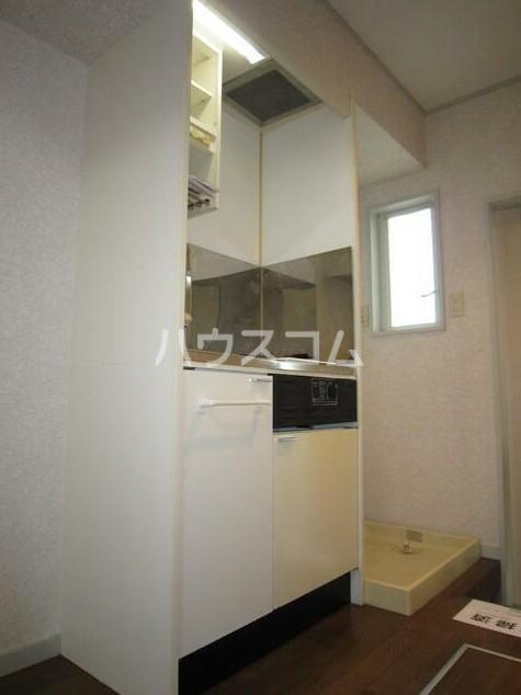 ルミエール中町 102号室のキッチン
