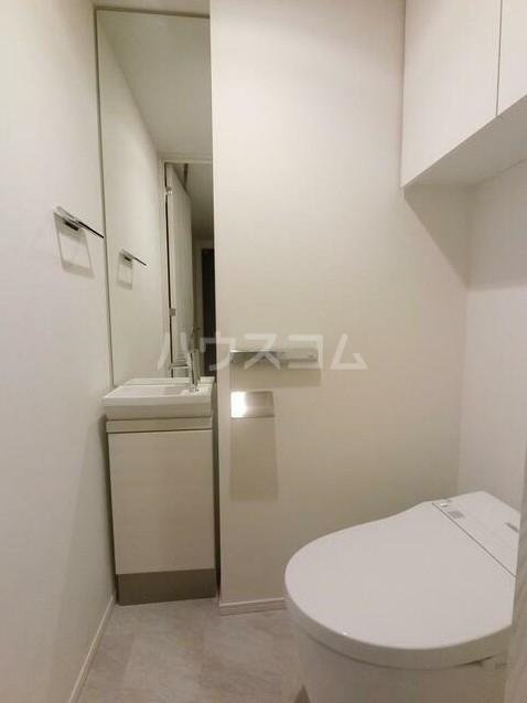 ザ・パークハビオ柿の木坂 101号室のトイレ