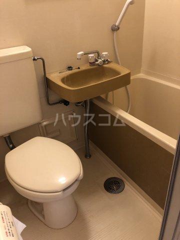 ホワイトビラハヤシ 201号室の風呂