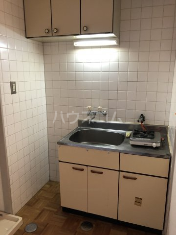 ホワイトビラハヤシ 201号室のキッチン