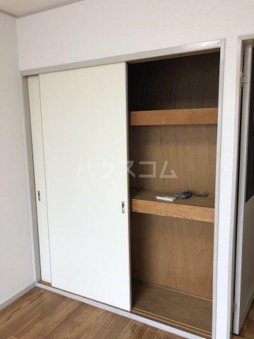 ホワイトビラハヤシ 201号室の収納