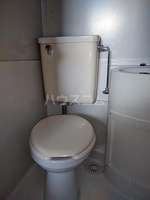 アパートメントR&T 101号室のトイレ