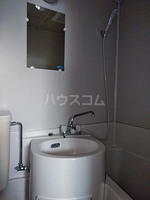 アパートメントR&T 101号室の洗面所