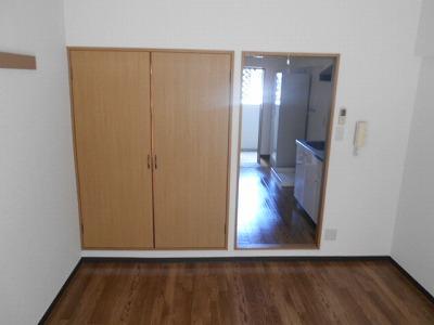 ハイツチェリーブロッサム 2A号室の駐車場