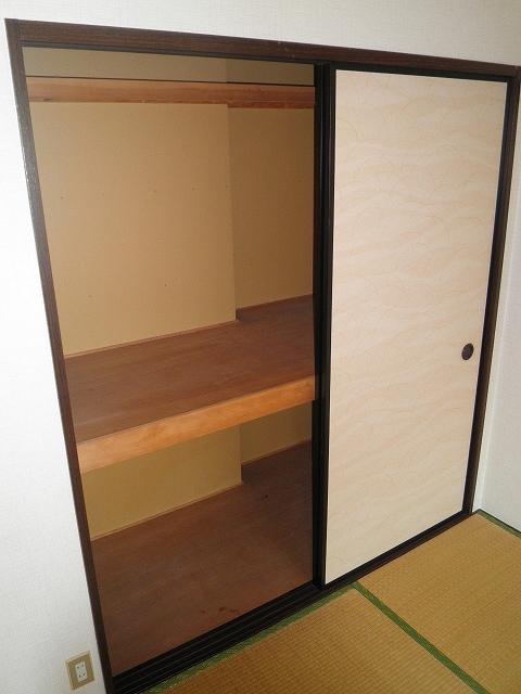 ファミール井川 201号室の収納