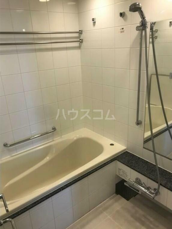 トワイシア用賀エアリーレジデンス 607号室の風呂