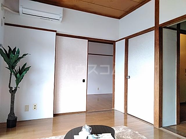 エトワールハイツ豊川 102号室の居室