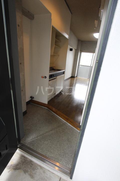FESTA80 107号室の玄関