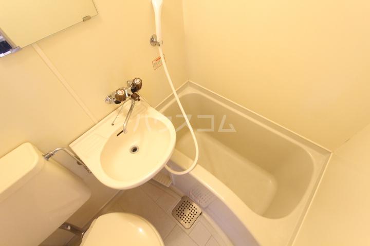 FESTA80 107号室の風呂