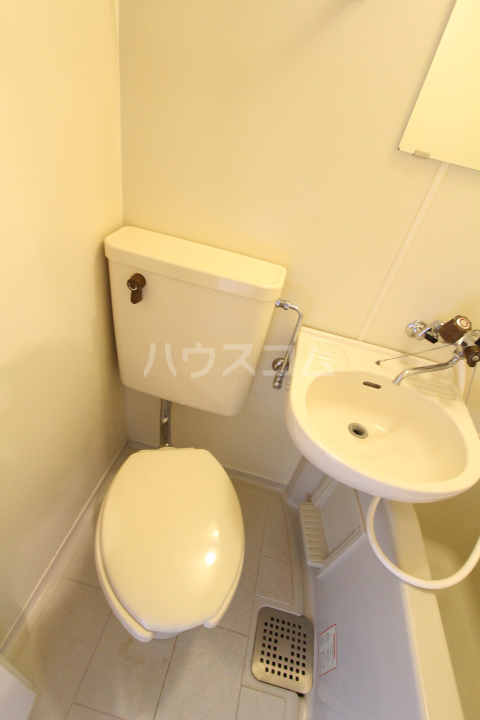 FESTA80 107号室のトイレ