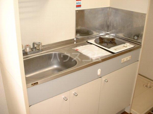 ロワール実籾 105号室のキッチン