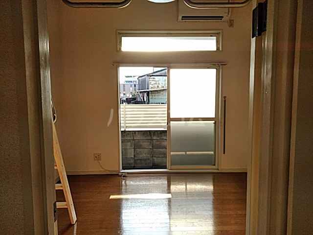 ハイドアウト園 206号室のベッドルーム