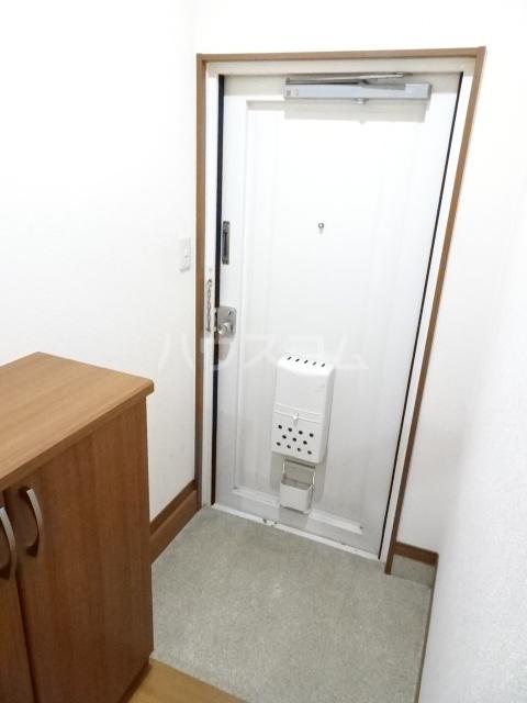 ピアノビル 301号室の玄関