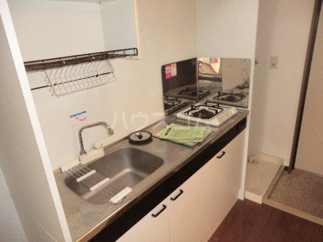 ラ・ピエス 202号室のキッチン