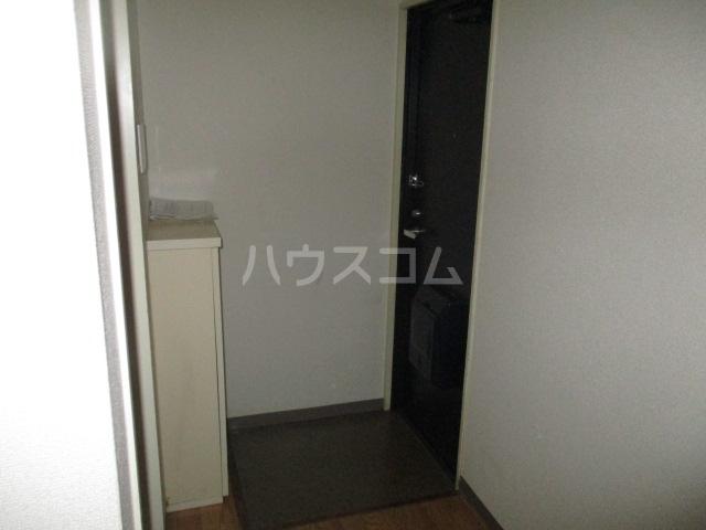 コート祖師谷 201号室の玄関