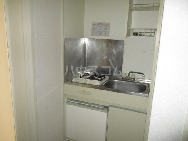 コート祖師谷 201号室のキッチン